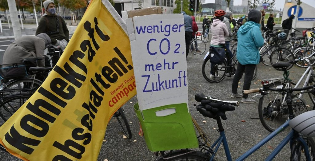 Emission cuts - German climate law is unconstitutional in some parts