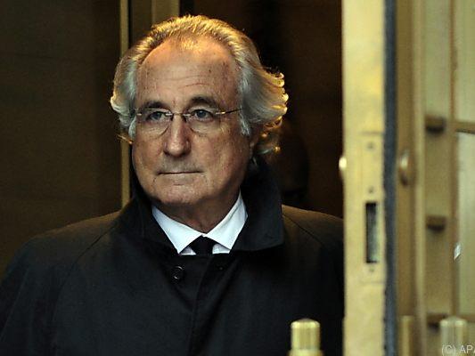 Fraudulent billionaire Madoff dies in prison