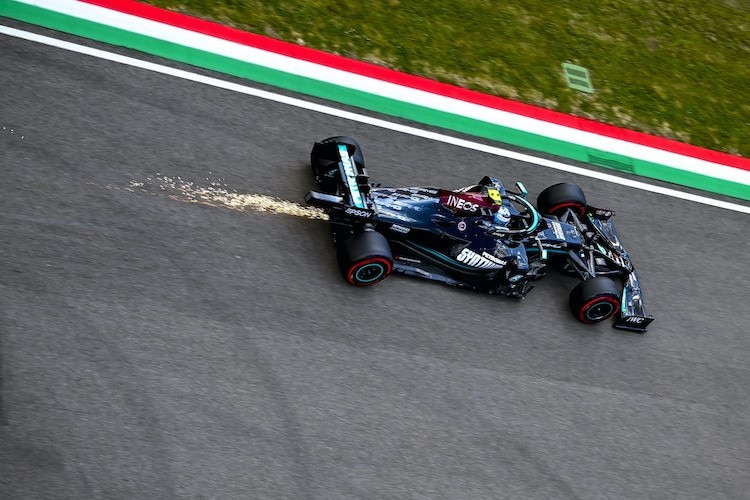 """Valtteri Bottas (viii): """"I still don't understand"""" / Formula 1"""