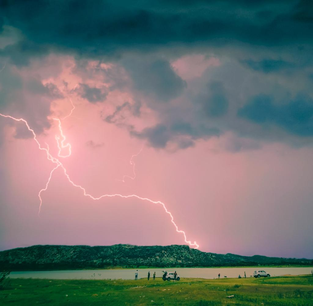 Study shows: a thunderstorm can clean our air well