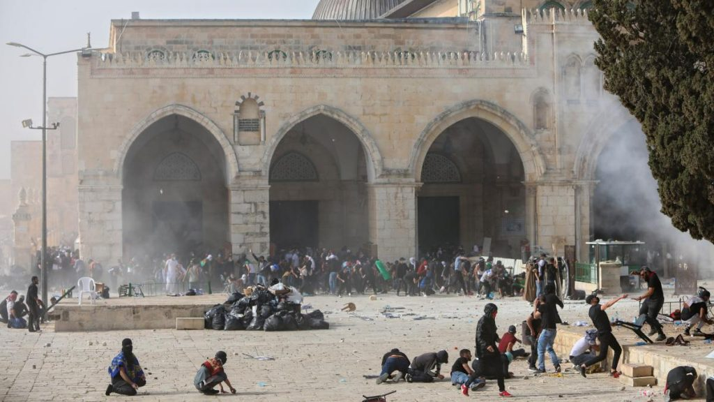 Israel: New clashes on the Temple Mount - 15 wounded