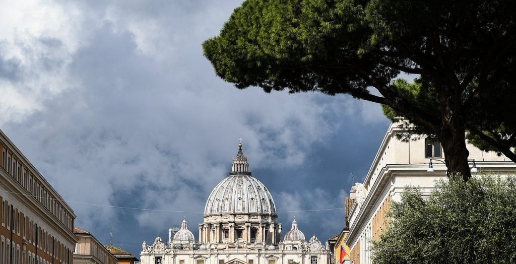 Church - Pope Francis removes privileges from the Vatican legal system