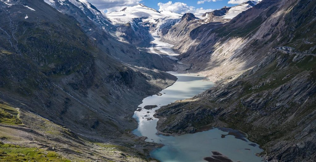 """Climate change - """"third pole"""" glaciers are losing more ice than they are forming"""