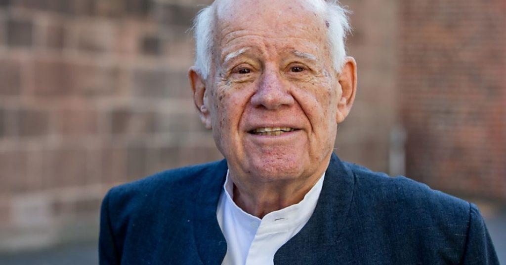 Israeli sculptor Danny Caravan, 90, dies