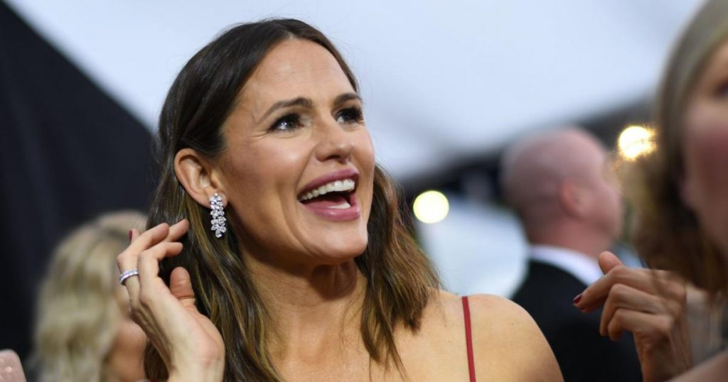 Jennifer Garner reacts to love rumors about Affleck and Lopez