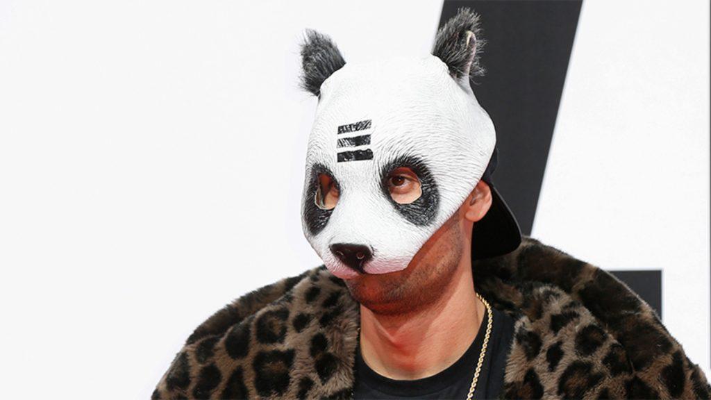 Rapper Crow reveals the secret of the mask