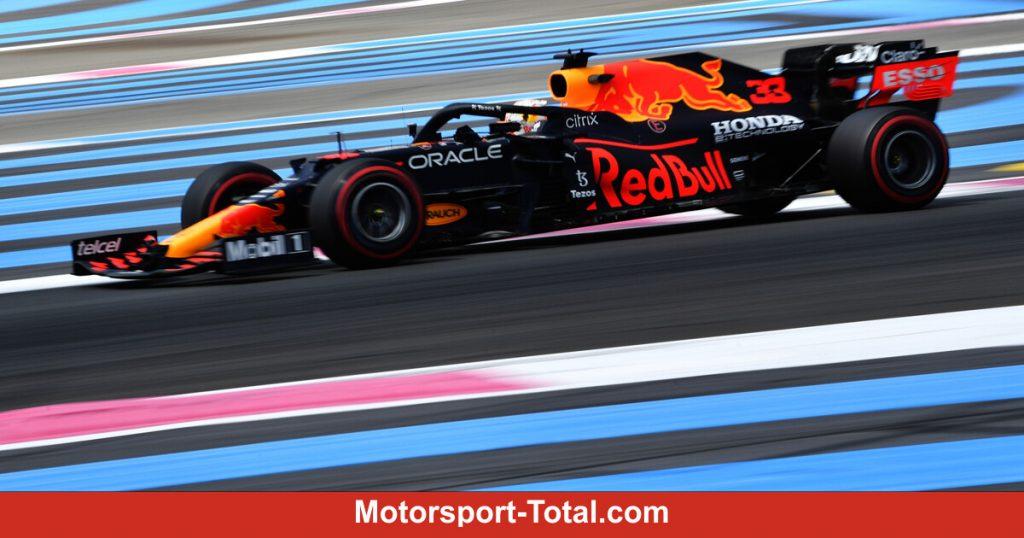 Verstappen is 0.008 seconds ahead