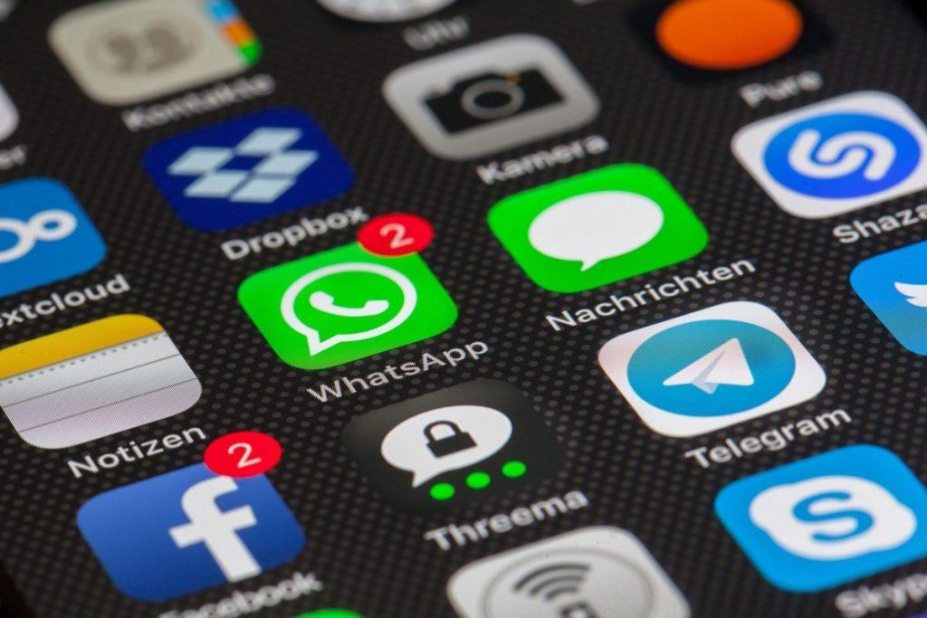 WhatsApp Alternatives: How Messenger Works Too