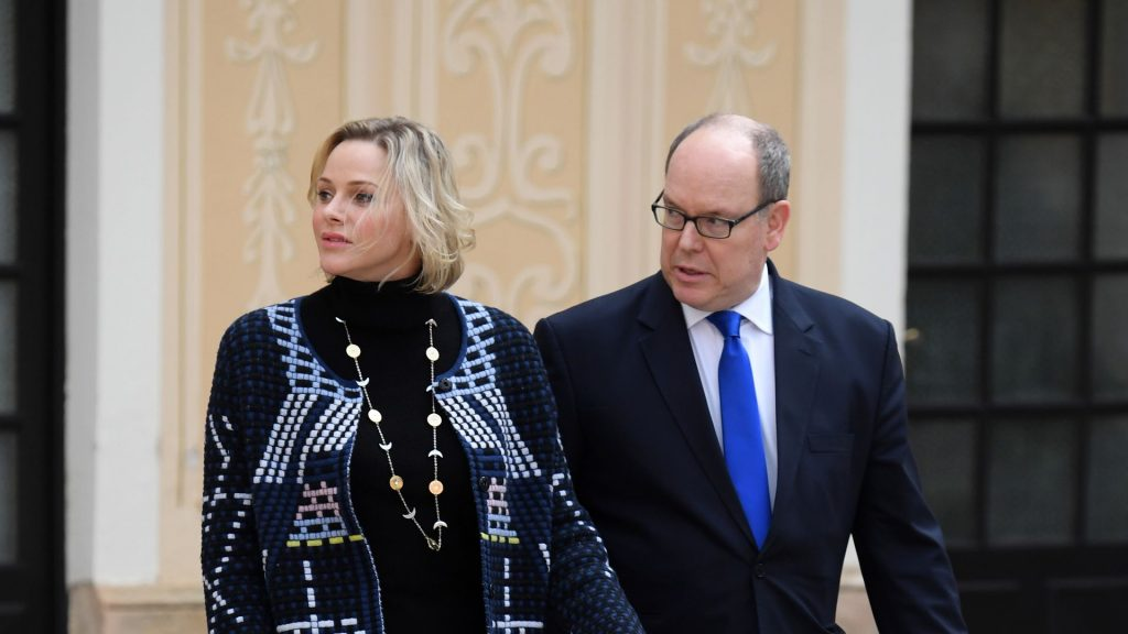 Fans worried: Prince Albert without Charlene returning to Monaco