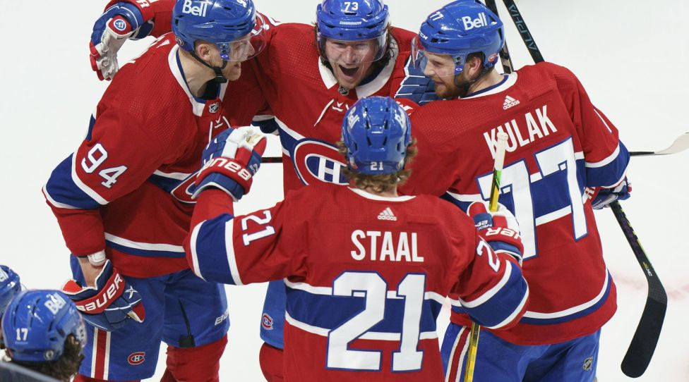 Jun 7, 2021, Montreal, BQ, Canada: Montreal Canadiens Tyler Toffoli celebrates his game-winning goal with teammates Cory Berry, left, Eric Stahl and Brett Colak after NHL overtime, Ichuki Herren, USA's Stanley Cup hockey match against The Winnipeg Jets, in Montreal, Monday, June 7, 2021. Tyler Toffoli Corey Perry Eric Stahl Brett Colak Posted xINxGERxSUIxAUTxONLY - ZUMAc35_20210607_zaf_c35_093 Copyright: xPaulxChiassonx