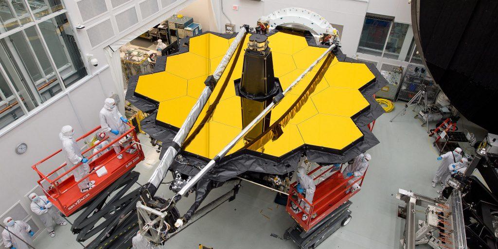 Das James-Webb-Weltraumteleskop soll im Herbst seine Reise antreten: In einer Entfernung von 1,5 Millionen Kilometern beobachtet es die Ursprünge des Weltalls. Foto: Nasa