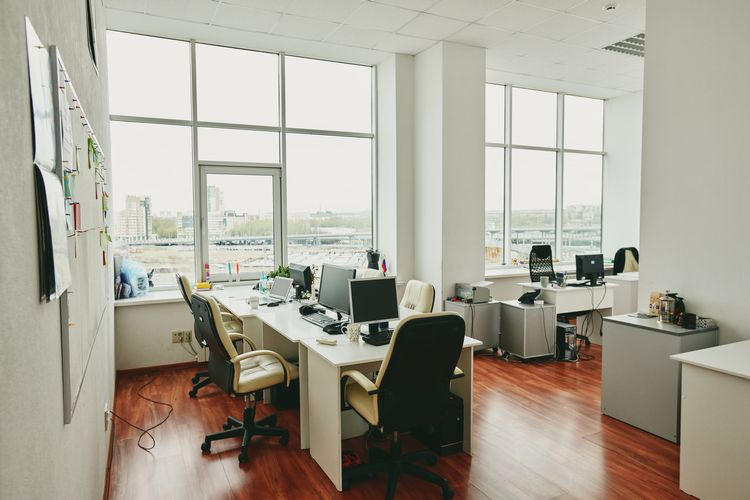 Common Mistakes When Decorating Small Offices