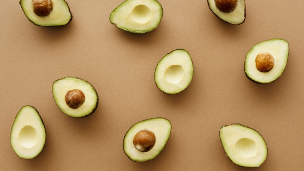 4 things that happen when you eat an avocado every day