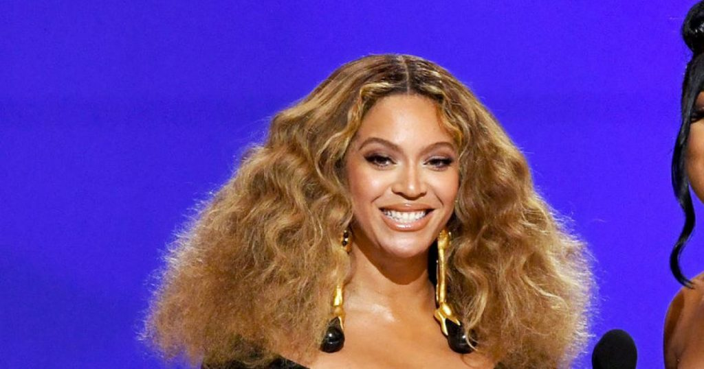 """Beyoncé announces her new album: """"Yes, the music is coming!"""""""