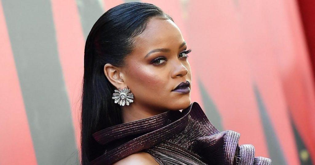 How did Rihanna react to her new billionaire status