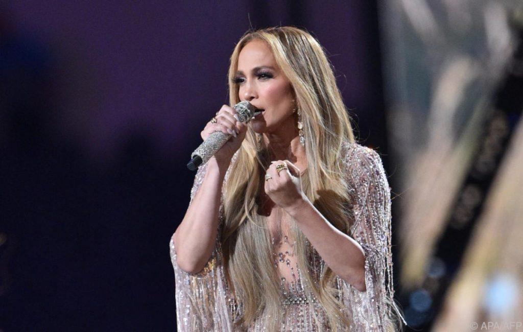 Jennifer Lopez performs at Global Citizen Festival