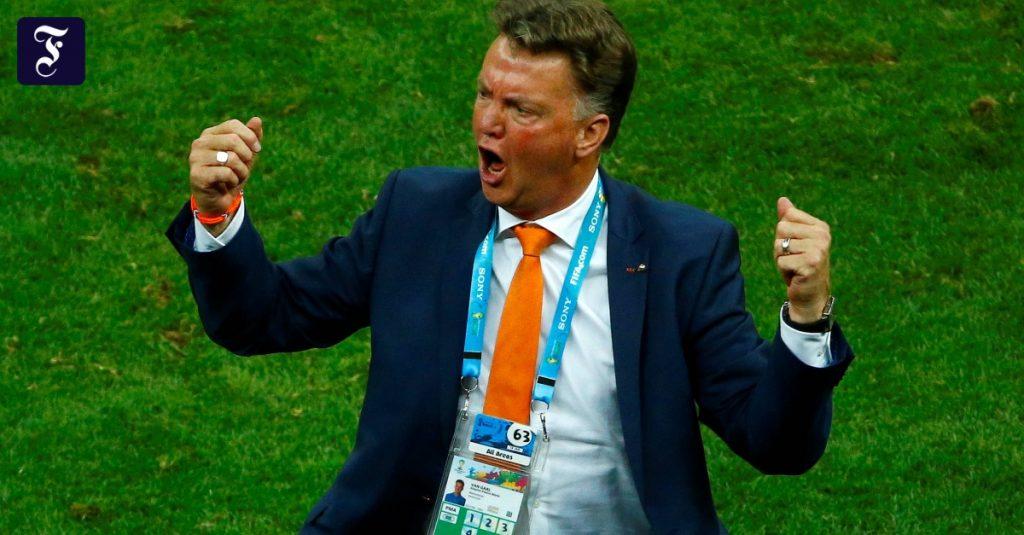 Louis van Gaal becomes Holland's new bond coach
