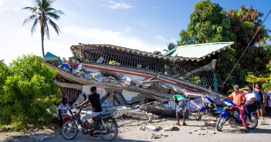 Magnitude 7.2 earthquake strikes Haiti: more than 700 dead and several aftershocks