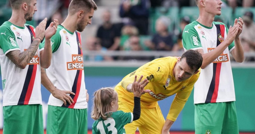Rapid wants 3 points as a reward for a frequent flyer in Altach
