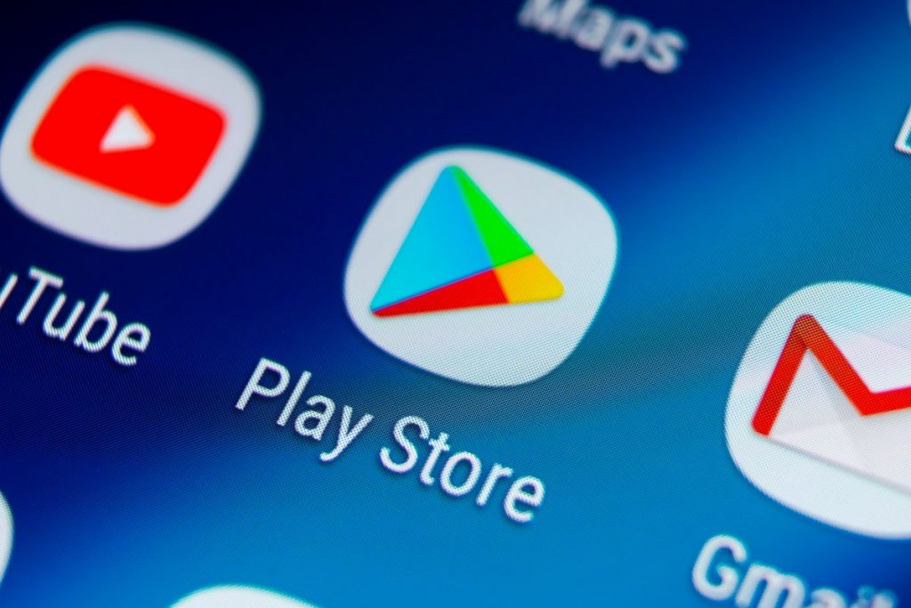Android automatically revokes the rights to the app - even on old smartphones