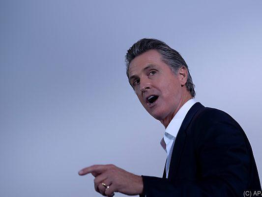 Californians vote for Governor Newsom