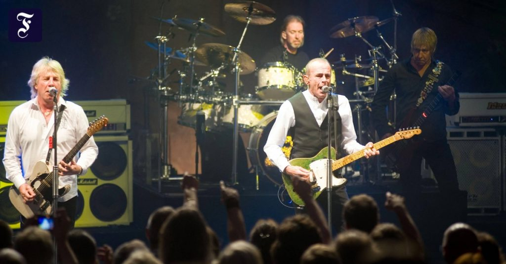 Status quo bassist Alan Lancaster has passed away at the age of 72