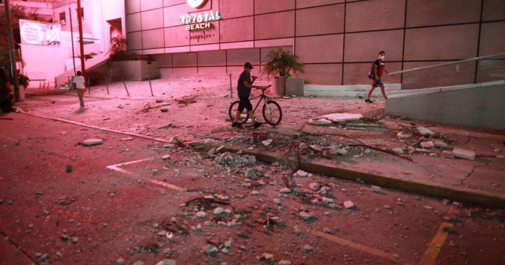Tsunami warning after strong earthquake in Mexico