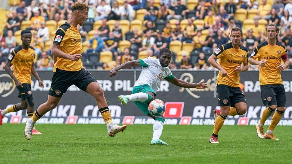 Werder Bremen scores against Dresden: Roger Asali - Division 6!