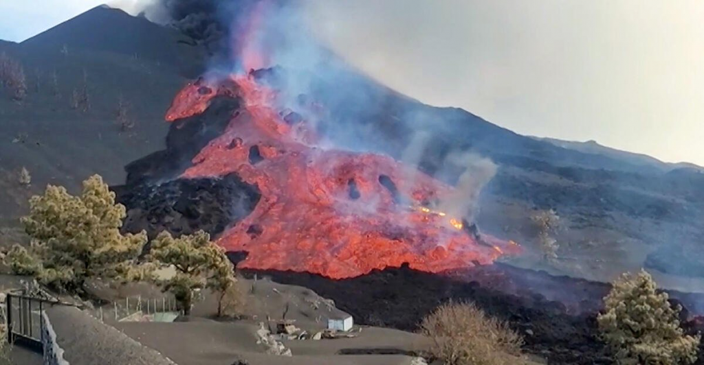 Volcanic area hit by earthquake in La Palma