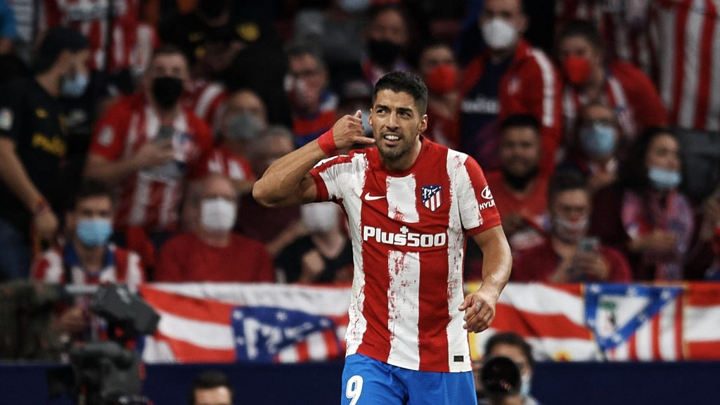 Atletico star Luis Suarez pays Ronald Koeman from FC Barcelona with phone chants