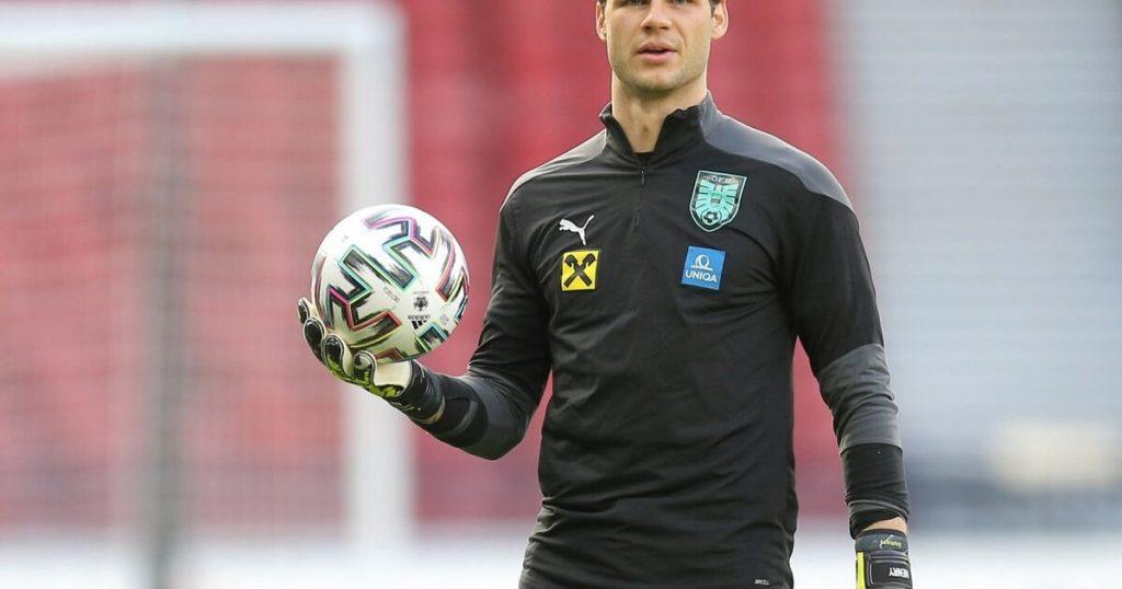 Austrian Football Association goalkeeper Daniel Bachmann does not fear the Danish leader
