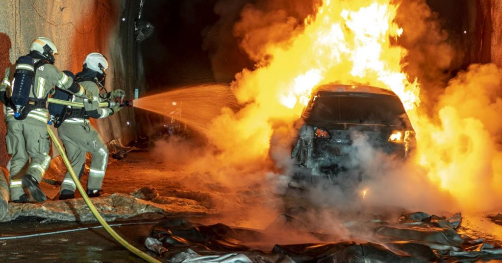 Burning electronic cars: Austrian tunnels tolerate heat