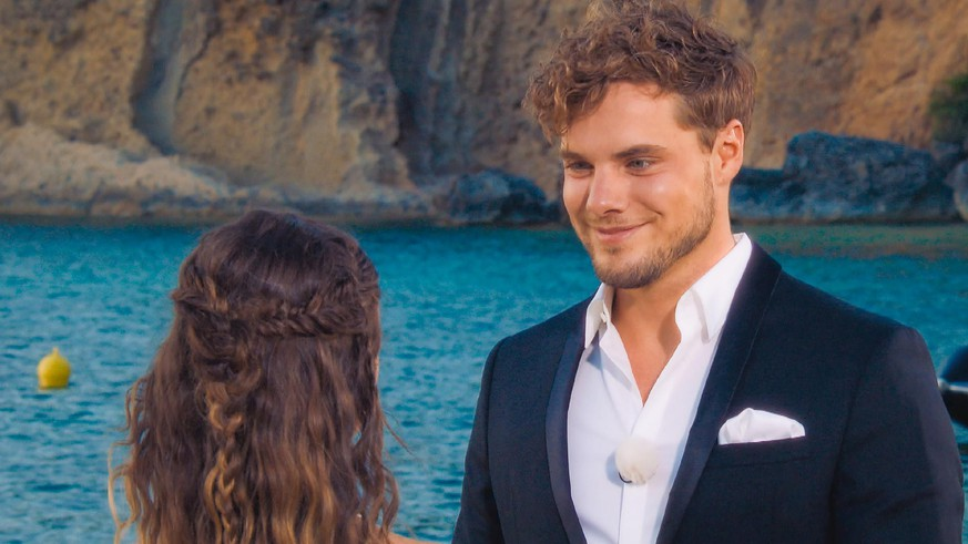 The 'Bachelor' candidate talks about his relationship with Maxim